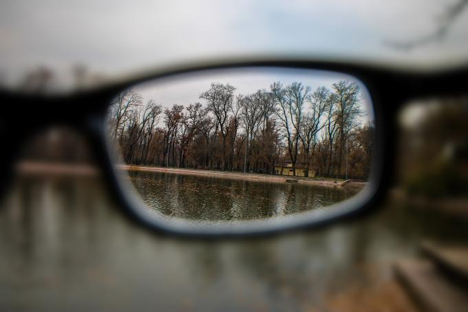 glasses-1042090_1920